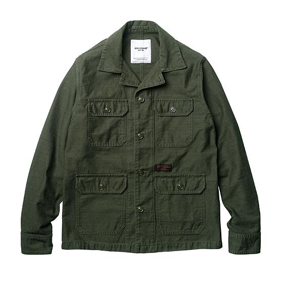"<span style=""font-family:NanumGothic; font-size:15px; font-weight:bold;"">Hunter Back Sateen Military Shirt Jacket Olive</span><br /><span style=""font-family:NanumGothic; font-size:11px;"">기존 원사의 단점들을 보완해 새롭게 제직된 밀리터리 Cotton Back Sateen(사틴) 원단 시리즈 제품으로 기존의 Cotton Back Sateen(사틴) 보다 더욱 월등해진 밀도와 무게로 제작된 셔츠 자켓 아이템입니다. 가장 기본적인 4포켓 밀리터리 셔츠 자켓을 베이스로 A-1 Wool Jacket의 패턴과 특징을 믹스해 헤비한 코튼 셔츠 자켓으로 완성시켰습니다. 존 레논이 착용하여 인기를 얻은 임진스카우트(IMJIN SCOUTS, 임진전초부대) 버전의 대표적인 OG-107 컬러를 기본 BT 베이스로 하였으며 원단을 더욱 낮아진 채도로 새롭게 시직 및 제직해 발주했습니다. 제품 완성의 최종적으로 진행하는 데미지 워싱까지 세심하게 고려함으로써 디자인은 제품의 높은 완성도로 표현될 수 있었습니다.</span><br /><a href=""http://www.wherehouse.co.kr/shop/shopdetail.html?branduid=728373&xcode=029&mcode=003&scode=&type=Y&sort=order"" target=""_blank""><span style=""font-size:11px; color:#FFE400;"">BUY NOW</span></a>"