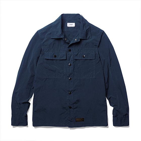 """<span style=""""font-family:NanumGothic; font-size:15px; font-weight:bold;"""">Garment Dyeing 2 Pocket Shirt Jacket Navy</span><br /><span style=""""font-family:NanumGothic; font-size:11px;"""">방풍이 우수한 나일론 원단을 에스피오나지에서 직접 시직 및 제직해 먼저 재봉해 제품을 만든 뒤 Garment Dyeing 작업을 별도로 진행해 자연스러운 컬러를 만들어 낸 제품으로 나일론 원단의 기본적인 고시감 과 더불어 다잉 작업으로 인하여 얻어진 높은 촉감을 경험 하실 수 있으며 특히 메인 버튼에 사용된 유광 코팅 피니쉬의 YKK Anchor Snap Button은 제품의 완성도를 더욱 높이는 계기가 되었습니다. 일반적인 윈드브레이커 제품들과 다른 셔츠 자켓의 패턴이 활용되 활용도 역시 뛰어나며 총 3가지 컬러의 Garment Dyeing작업으로 선택의 폭 역시 넓도록 제작되었습니다.</span><br /><a href=""""http://www.wherehouse.co.kr/shop/shopdetail.html?branduid=728385&xcode=029&mcode=003&scode=&type=Y&sort=order"""" target=""""_blank""""><span style=""""font-size:11px; color:#FFE400;"""">BUY NOW</span></a>"""