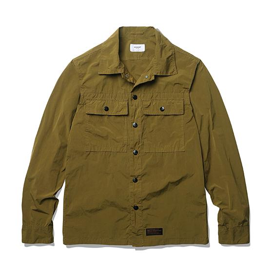 """<span style=""""font-family:NanumGothic; font-size:15px; font-weight:bold;"""">Garment Dyeing 2 Pocket Shirt Jacket Mustard</span><br /><span style=""""font-family:NanumGothic; font-size:11px;"""">방풍이 우수한 나일론 원단을 에스피오나지에서 직접 시직 및 제직해 먼저 재봉해 제품을 만든 뒤 Garment Dyeing 작업을 별도로 진행해 자연스러운 컬러를 만들어 낸 제품으로 나일론 원단의 기본적인 고시감 과 더불어 다잉 작업으로 인하여 얻어진 높은 촉감을 경험 하실 수 있으며 특히 메인 버튼에 사용된 유광 코팅 피니쉬의 YKK Anchor Snap Button은 제품의 완성도를 더욱 높이는 계기가 되었습니다. 일반적인 윈드브레이커 제품들과 다른 셔츠 자켓의 패턴이 활용되 활용도 역시 뛰어나며 총 3가지 컬러의 Garment Dyeing작업으로 선택의 폭 역시 넓도록 제작되었습니다.</span><br /><a href=""""http://www.wherehouse.co.kr/shop/shopdetail.html?branduid=728388&xcode=029&mcode=003&scode=&type=Y&sort=order"""" target=""""_blank""""><span style=""""font-size:11px; color:#FFE400;"""">BUY NOW</span></a>"""