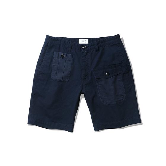 "<span style=""font-family:NanumGothic; font-size:15px; font-weight:bold;"">Carwood UK Battle Shorts Navy</span><br /><span style=""font-family:NanumGothic; font-size:11px;"">Battle Dress Pants를 모티브로 하여 반바지 형태로 디자인 한 제품입니다. 원형 제품의 밀리터리 디테일을 현대적인 의복 분위기에 맞도록 재해석하였으며 메인원단은 밀도 높은 옥스포드 슬럽 10수 원단과 밀리 터리 기반의 10수 Herringbone Twill 원단을 믹스하여 디자인 하였기에 Battle Dress의 분위기를 최대한 이끌어낸 제품이라 할 수 있습니다. 특히 Battle Dress Pants의 가장 큰 특징 중 하나인 Map pocket과 터프한 외형은 그 당시 제품의 원형을 재해석 했다는 느낌을 충분히 가지고 있습니다. 부자재로 Melamine button(Made In U.S.A)을 메인 단추로 사용함으로써 밀리터리 속성 제품 특유의 무게를 더하였으며 원단의 단단함과 밀도에 맞는 튼튼한 재봉으로 쇼츠 제품에서 보여줄 수 있는 완성도를 최대한 높인 제품이라 할 수 있습니다. </span><br /><a href=""http://www.wherehouse.co.kr/shop/shopdetail.html?branduid=729533&xcode=029&mcode=003&scode=&type=Y&sort=order"" target=""_blank""><span style=""font-size:11px; color:#FFE400;"">BUY NOW</span></a>"