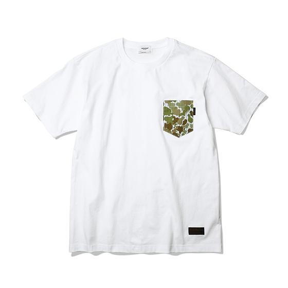 "<span style=""font-family:NanumGothic; font-size:15px; font-weight:bold;"">Stripe Camo Tubular T-Shirt White</span><br /><span style=""font-family:NanumGothic; font-size:11px;"">ESPIONAGE 2015 SS 시즌을 맞이해 새로운 원사와 제직으로 완성된 Knitting 제품으로 20's Combed Yarn(코마원사 튜브 20수) Cotton 원단을 바탕으로 20's의 가장 기본적인 두께지만 튜브 제직을 통해 높은 밀도와 단단함을 느낄 수 있는 제품입니다. 특히 샘플 튜브 제직을 진행한 뒤 제품의 시험 세탁까지 사전 작업을 이루어 수축률을 최소한으로 낮춘 제품입니다.더불어 이번 시즌부터 새롭게 적용된 20's 제품만의 타이트한 넥 라인은 과거 빈티지 제품들을 철저히 분석해 새로운 폭과 방식으로 제작되었으며 제품의 1942년 미군에서 처음선보였던 Duck Hunting Camouflage 패턴을 이용한 카모플라쥬 패턴의 원단을 믹스해 완성 시켰습니다.</span><br /><a href=""http://www.wherehouse.co.kr/shop/shopdetail.html?branduid=730178&xcode=029&mcode=003&scode=&type=Y&sort=order"" target=""_blank""><span style=""font-size:11px; color:#FFE400;"">BUY NOW</span></a>"