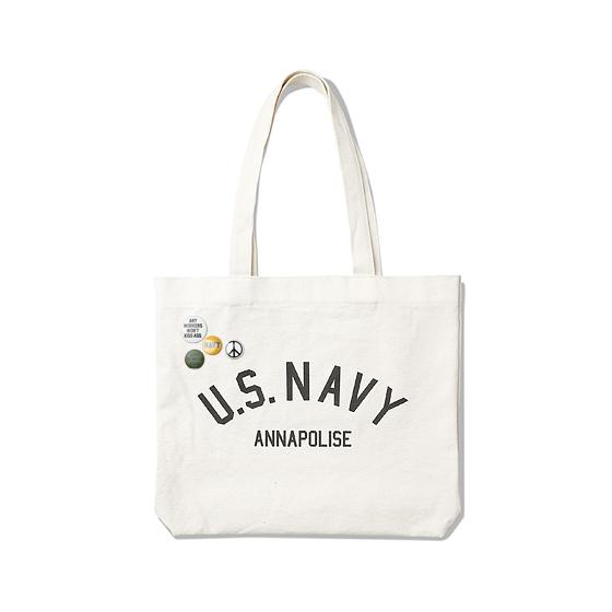 "<span style=""font-family:NanumGothic; font-size:15px; font-weight:bold;"">US Navy Tote Bag Ivory</span><br /><span style=""font-family:NanumGothic; font-size:11px;"">반적인 Tote Bag의 외형에 심플하면서 활용도 높은 디자인으로 부담없는 사용이 가능하도록 제작 된 제품입니다. 10S 2합의 높은 견뢰도를 자랑하는 캔버스소재를 사용하여 견고함을 느끼실 수 있으며 내부 소형 수납 공간은 다양한 소품류를 수납하도록 실용성을 높였으며 적절한 사이즈의 패턴으로 제작 되어 활용도 역시 상당히 높은 제품입니다. 전면에는 미 해군사관생도들의 일상을 다룬 ANNAPOLISE 영화에 영감을 받아 디자인 된 U.S.NAVY ANNAPOLISE 문구가 나염처리 되어있습니다.</span><br /><a href=""http://www.wherehouse.co.kr/shop/shopdetail.html?branduid=735420"" target=""_blank""><span style=""font-size:11px; color:#FFE400;"">BUY NOW</span></a>"