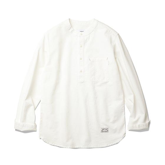 "<span style=""font-family:NanumGothic; font-size:15px; font-weight:bold;"">Chuck Collarless Shirts Ivory</span><br /><span style=""font-family:NanumGothic; font-size:11px;"">과거 러시아 군의 보급형 이너웨어였던 Sleeping Shirts를 고밀도 코튼 원단의 풀오버 셔츠로 전환한 제품입니다. 메인 원단으로는 견고함이 우선시되는 밀리터리 셔츠 특성에 맞게끔 밀도 높게 제직 된 16s Cotton 100% Chambray 원단을 사용하여 오랜 시간 착용 후 고객분들 각각의 생활패턴에 따라서 자연스럽게 워싱이 되는 과정에 재미를 느끼실 수 있습니다. 또한 자연스러운 롤 업을 생각하여 소매 하단의 트임 디테일과 바디의 디테일 등은 간단한 공정의 Collarless Shirt 제품들과는 확연히 다른 완성도를 보여줍니다. 부자재로는 Nut Cat's Eye 버튼 역시 제품의 완성도를 더욱 높이고 있으며 꼼꼼하고 높은 재봉 퀄리티는 이번 셔츠 라인업 중 가장 기술적인 부분으로 여겨지고 있습니다. </span><br /><a href=""http://www.wherehouse.co.kr/shop/shopdetail.html?branduid=735754"" target=""_blank""><span style=""font-size:11px; color:#FFE400;"">BUY NOW</span></a>"
