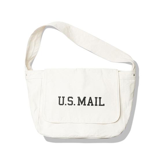 "<span style=""font-family:NanumGothic; font-size:15px; font-weight:bold;"">US Post Messenger Bag CVS</span><br /><span style=""font-family:NanumGothic; font-size:11px;"">20세기 중반 우편 배달부, 노동자들이 사용했던 오리지널 메신져백을 모티브로 하여 새롭게 디자인 된 제품으로 심플하면서 활용도 높은 디자인으로 부담 없는 사용이 가능하도록 제작되었습니다. 메인원단으로는 10S 2합의 높은 견뢰도를 자랑하는 캔버스소재를 사용하여 견고함을 느끼실 수 있으며 최종 제품 완성 후 Bio Washing 처리를 진행하여 외부에 자연스러운 퍼커링(주글주글하게 잡히는 주름)을 강조하였습니다. 또한 적절한 사이즈의 패턴은 다양한 활용도를 충분히 고려해 제작되었으며 내부 대형 수납공간을 포함한 파티션이 나뉘어진 소형 수납 공간은 다양한 소품류를 수납할 수 있도록 실용성을 높였습니다. 내부에 위치한 어드져스트 파츠를 이용해 여분의 짐 등의 적재가 가능하며 다양하게 스타일링 하실 수 있게끔 제작 되어 단단한 재봉과 더불어 완성도가 높은 제품입니다. 부자재로는 YKK社 Universal Rivet을 사용하였으며 전면에는 'U.S.MAIL' 타이포그래피가 나염처리 되어있어 Denim 버전과 다른 매력을 느끼실 수 있는 제품입니다.</span><br /><a href=""http://www.wherehouse.co.kr/shop/shopdetail.html?branduid=736119"" target=""_blank""><span style=""font-size:11px; color:#FFE400;"">BUY NOW</span></a>"