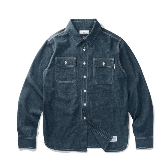 "<span style=""font-family:NanumGothic; font-size:15px; font-weight:bold;"">Jason Covert Shirt Indigo</span><br /><span style=""font-family:NanumGothic; font-size:11px;"">1940년 대 빈티지 워크 셔츠를 모티브로 하여 제작된 제품으로 원, 부자재 및 패턴, 봉제 테크닉을 최대한 재현하여 기존의 포멀한 셔츠에서 벗어나 레트로 무드의 디자인으로 변화시킨 제품입니다. 메인 원단으로는 사용 된 Kuroki社의 Indigo Covert Fabric은 19세기 초반 워크웨어 장르에서 주로 볼 수 있는 원단으로 내구성이 뛰어난 것이 특징이며 일본 오카야마 Kuroki社에서 제직 되어 경사(세로실)의 인디고 원사는 염색 시 염색물의 장력을 최소화하여 균일한 색감을 나타낼 수 있는 로프방식으로 염색 하였고 위사(가로실)는 인디고 색상과 화이트 색상의 합사로 제직되었습니다. 더불어 제직 후 방축가공(Sanforized)을 진행하여 세탁 후 수축률과 탈색으로 인한 이염을 최소화 하여 장시간 착용 후 경년변화가 진행되도 전체적인 밸런스를 유지할 수 있는 것이 특징입니다. 전체적으로 인디고 색상의 원단과 잘 어울리는 재봉사를 사용하여 은은한 느낌을 더했으며 제품 완성 후 워싱을 진행함으로써 착용감 또한 매끄럽고 최종 진행한 워싱으로 제품의 고정화를 통해 최소의 수축률이 높은 장점으로 어필되는 제품입니다.</span><br /><a href=""http://www.wherehouse.co.kr/shop/shopdetail.html?branduid=743052"" target=""_blank""><span style=""font-size:11px; color:#FFE400;"">BUY NOW</span></a>"