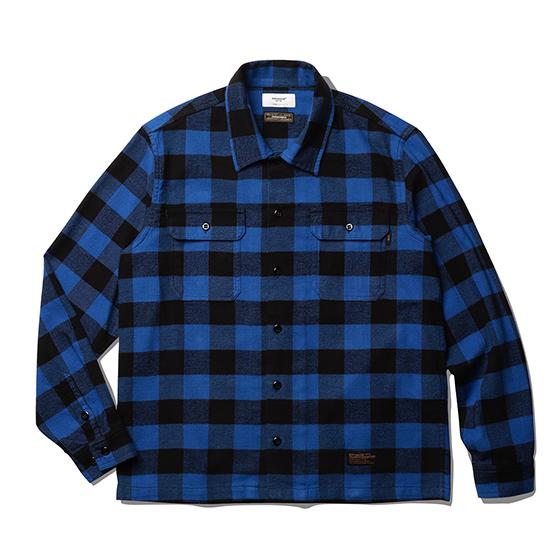 "<span style=""font-family:NanumGothic; font-size:15px; font-weight:bold;"">Fulton Buffalo Shirt Blue</span><br /><span style=""font-family:NanumGothic; font-size:11px;"">1940년대부터 현재에 이르기까지 워크웨어, 캐쥬얼웨어에서 주로 볼 수 있었던 버팔로 체크 셔츠를 모티브로 하여 제작 된 제품으로 원, 부자재 및 패턴, 봉제 테크닉을 최대한 재현하여 레트로 무드의 디자인으로 변화시킨 제품입니다. 메인원단으로는 견고함이 우선시되는 워크 셔츠 특성에 맞게끔 밀도 높게 제직 된 20s(Cotton 100%) 버팔로 체크 원단을 사용하였으며 체크 원단만을 전문적으로 다루는 업체를 통해 국내에서 제직, 생산되는 원단을 사용하여 희소성 또한 높은 것이 특징입니다. 더불어 과거의 빈티지 셔츠 패턴 역시 재현하여 전면의 플래킷 재봉선을 제거하였으며 칼라의 넓이와 전체적으로 여유로운 패턴을 적용해 편안하게 착용 할 수 있는 것이 특징인 제품입니다. 부자재로는 Melamine button(Made In U.S.A)을 사용하여 제품의 완성도를 더욱 높이고 있으며 꼼꼼하고 높은 재봉 퀄리티는 이번 셔츠 라인업 중 가장 기술적인 부분으로 여겨지고 있습니다.</span><br /><a href=""http://www.wherehouse.co.kr/shop/shopdetail.html?branduid=743677"" target=""_blank""><span style=""font-size:11px; color:#FFE400;"">BUY NOW</span></a>"