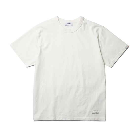 "<span style=""font-family:NanumGothic; font-size:15px; font-weight:bold;"">Basic Logo T-Shirt Off White</span><br /><span style=""font-family:NanumGothic; font-size:11px;"">이번 2017 S/S Season Espionage 에서는 기존 원사의 단점들을 보완하여 제직된 US Cotton 원사의 환편 니팅 제품들을 선보입니다. 미국산 면화(Cotton USA)를 바탕으로 OG 16's Ringspun Yarn(오리지널 16수 링원사)을 사용하여 편직된 원단을 사용하였으며 일반적으로 사용되는 싱글원단의 제품들보다 월등한 두께와 밀도로 제직된 제품으로 360g/yd²의 중량을 지니고 있으며 일반적인 편직물에 비해 도목을 최대한 좁게 편직하여 밀도를 높여 오랜 기간 사용에도 제품의 원형유지가 지속되도록 많은 노력을 기울였습니다. 더불어 립(Rib) 역시 메인 원단 사양에 맞게끔 높은 밀도와 중량감있는 100% Cotton 립(Rib)을 별도로 제직하여 쉽게 늘어날 수 있는 목 라인과 소매부분의 내구성을 강조한 제품입니다. 특히 제품의 완성 후 한 차례 워싱까지 작업해 후반 가공에 있어서도 심혈을 기울인 제품으로 특유의 촉감과 수축률을 고정화 시킨 것이 이번 제품의 장점이라고 할 수 있습니다. 이번 시즌부터 새롭게 적용된 타이트한 넥 라인은 과거 빈티지 제품들을 철저히 분석해 새로운 폭과 방식으로 제작되어 오랜기간 착용하셔도 목 늘어짐이 적게끔 수차례 패턴수정하여 완성된 것이 특징입니다. 제품 전면에는 에스피오나지의 퀄리티 프로덕트를 의미하는 'ESPIONAGE GARMENT EQUATION QUALITY PRODUCT' 그래픽을 고압력 및 고열의 특수 나염 처리 방식을 사용하여 오랜 사용감에도 데미지가 적도록 나염처리 한 제품입니다.</span><br /><a href=""http://www.wherehouse.co.kr/shop/shopdetail.html?branduid=744365"" target=""_blank""><span style=""font-size:11px; color:#FFE400;"">BUY NOW</span></a>"