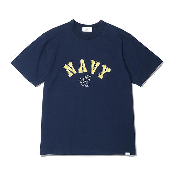 "<span style=""font-family:NanumGothic; font-size:15px; font-weight:bold;"">NAVY Anchor T-Shirt Navy</span><br /><span style=""font-family:NanumGothic; font-size:11px;"">미국산 면화(Cotton USA)를 바탕으로 OG 16's Ringspun Yarn(오리지널 16수 링원사)을 사용하여 편직된 원단으로 360g/yd²의 중량을 지니고 있으며 일반적인 편직물에 비해 도목을 최대한 좁게 편직하여 밀도를 높여 오랜 기간 사용에도 제품의 원형유지가 지속 되도록 많은 노력을 기울였습니다. 더불어 립(Rib) 역시 메인 원단 사양에 맞게끔 높은 밀도와 중량감 있는 100% Cotton 립(Rib)을 별도로 제직하여 쉽게 늘어 날 수 있는 넥 라인의 내구성을 강조한 제품입니다. 특히 제품의 완성 후 한 차례 워싱까지 작업해 후반 가공에 있어서도 심혈을 기울인 제품으로 특유의 촉감과 수축률을 고정화 시킨 것이 이번 제품의 장점이라고 할 수 있습니다. 제품 전면에는 1970년 대 미해군사관생도에게 보급 된 활동복을 모티브로하여 디자인 된 NAVY Anchor 그래픽을 고압력 및 고열의 특수 나염 처리 방식을 사용하여 오랜 사용감에도 데미지가 적도록 나염처리 한 제품입니다.</span><br /><a href=""http://www.wherehouse.co.kr/shop/shopdetail.html?branduid=744719"" target=""_blank""><span style=""font-size:11px; color:#FFE400;"">BUY NOW</span></a>"
