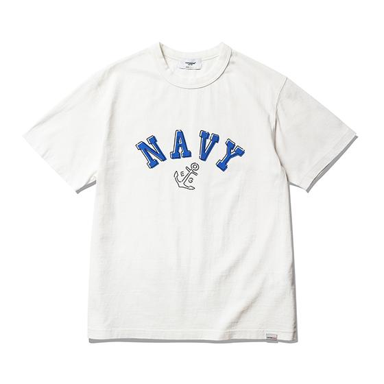 "<span style=""font-family:NanumGothic; font-size:15px; font-weight:bold;"">NAVY Anchor T-Shirt Off White</span><br /><span style=""font-family:NanumGothic; font-size:11px;"">미국산 면화(Cotton USA)를 바탕으로 OG 16's Ringspun Yarn(오리지널 16수 링원사)을 사용하여 편직된 원단으로 360g/yd²의 중량을 지니고 있으며 일반적인 편직물에 비해 도목을 최대한 좁게 편직하여 밀도를 높여 오랜 기간 사용에도 제품의 원형유지가 지속 되도록 많은 노력을 기울였습니다. 더불어 립(Rib) 역시 메인 원단 사양에 맞게끔 높은 밀도와 중량감 있는 100% Cotton 립(Rib)을 별도로 제직하여 쉽게 늘어 날 수 있는 넥 라인의 내구성을 강조한 제품입니다. 특히 제품의 완성 후 한 차례 워싱까지 작업해 후반 가공에 있어서도 심혈을 기울인 제품으로 특유의 촉감과 수축률을 고정화 시킨 것이 이번 제품의 장점이라고 할 수 있습니다. 제품 전면에는 1970년 대 미해군사관생도에게 보급 된 활동복을 모티브로하여 디자인 된 NAVY Anchor 그래픽을 고압력 및 고열의 특수 나염 처리 방식을 사용하여 오랜 사용감에도 데미지가 적도록 나염처리 한 제품입니다.</span><br /><a href=""http://www.wherehouse.co.kr/shop/shopdetail.html?branduid=744720"" target=""_blank""><span style=""font-size:11px; color:#FFE400;"">BUY NOW</span></a>"