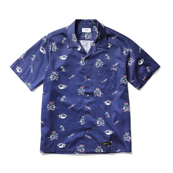"<span style=""font-family:NanumGothic; font-size:15px; font-weight:bold;"">Guadalcanal Open Collar Shirt Ocean Blue</span><br /><span style=""font-family:NanumGothic; font-size:11px;"">과거 1960년대부터 현재에 이르기까지 주로 워크웨어에서 볼 수 있었던 Open Collar Shirt 제품을 현대적인 의복 분위기에 맞도록 재해석 한 제품입니다.  메인원단으로는 여름시즌에 적합하고 세탁이 용이한 Cotton 100% 60수 주자직 원단을 사용하여 견고함과 동시에 부드러운 촉감과 은은한 광택을 느끼실 수 있는 것이 특징입니다. 전체적인 외형은 기본에 충실했지만 과거 Open Collar Shirt의 폭 넓은 칼라패턴을 개선하였으며 오리지날 제품 고유의 패턴을 유지하되 현대적인 룩에도 무리 없도록 수정하여 웨어러블하게 착용하실 수 있는 제품입니다. 또한 WWII 과달카날 전투를 다룬 미국 드라마 The Pacific의 배경인 과달카날 섬의 해변을 재해석하여 디자인 된 패턴이 특징이며 제품 완성 후 한차례 워싱을 진행함으로써 착용감 또한 매끄럽고 제품의 고정화를 통해 최소의 수축률이 높은 것이 장점인 제품입니다. 부자재로는 천연자개단추를 사용 하였으며 원단의 밀도에 맞는 튼튼한 재봉까지 완성도 높은 제품이라 할 수 있습니다. </span><br /><a href=""http://www.wherehouse.co.kr/shop/shopdetail.html?branduid=744876"" target=""_blank""><span style=""font-size:11px; color:#FFE400;"">BUY NOW</span></a>"