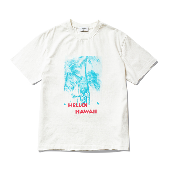 "<span style=""font-family:NanumGothic; font-size:15px; font-weight:bold;"">Hello Hawaii T-Shirt Off White</span><br /><span style=""font-family:NanumGothic; font-size:11px;"">미국산 면화(Cotton USA)를 바탕으로 OG 16's Ringspun Yarn(오리지널 16수 링원사)을 사용하여 편직된 원단으로 360g/yd²의 중량을 지니고 있으며 일반적인 편직물에 비해 도목을 최대한 좁게 편직하여 밀도를 높여 오랜 기간 사용에도 제품의 원형유지가 지속 되도록 많은 노력을 기울였습니다. 더불어 립(Rib) 역시 메인 원단 사양에 맞게끔 높은 밀도와 중량감 있는 100% Cotton 립(Rib)을 별도로 제직하여 쉽게 늘어날 수 있는 넥 라인의 내구성을 강조한 제품입니다. 특히 제품의 완성 후 한 차례 워싱까지 작업해 후반 가공에 있어서도 심혈을 기울인 제품으로 특유의 촉감과 수축률을 고정화 시킨 것이 이번 제품의 장점이라고 할 수 있습니다. 제품 전면에 근대 서핑의 창시자로 불리우는 Duke Kahanamoku 동상의 사진과 Hello Hawaii 타이포그래피를 오랜 사용감에도 데미지가 적도록 고압력 및 고열의 특수 나염 처리 방식을 사용하여 작업하였습니다.</span><br /><a href=""http://www.wherehouse.co.kr/shop/shopdetail.html?branduid=744877"" target=""_blank""><span style=""font-size:11px; color:#FFE400;"">BUY NOW</span></a>"