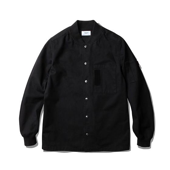 "<span style=""font-family:NanumGothic; font-size:15px; font-weight:bold;"">Assault MA-1 Shirt Black</span><br /><span style=""font-family:NanumGothic; font-size:11px;"">밀리터리 제품에서는 빼놓을 수 없는 자켓 중 하나인 MA-1 Flight Jacket을 모티브로 하여 가벼운 형태의 셔츠로 전환을 시도한 제품으로 적당한 두께감의 Twill Cotton 원단을 바디 원단으로 사용하였습니다. Original MA-1 Flight Jacket의 느낌을 최대한 이끌어 내기 위하여 상단의 메인 포켓에 벨크로 산소탭을 오마쥬한 디테일이 전면의 큰 특징이며 소매 부분의 포켓 디테일 역시 심플하게 변형하여 차용하였습니다. 또한 넥라인과 소매 끝단의 처리는 립처리로 마무리 하여 플라이트 자켓의 가장 큰 외관적 특징을 표현 하였습니다.</span><br /><a href=""http://www.wherehouse.co.kr/shop/shopdetail.html?branduid=725139&xcode=019&mcode=002&scode=&type=Y&sort=order"" target=""_blank""><span style=""font-size:11px; color:#FFE400;"">BUY NOW</span></a>"